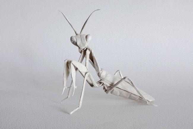 Богомол из бумаги в технике оригами